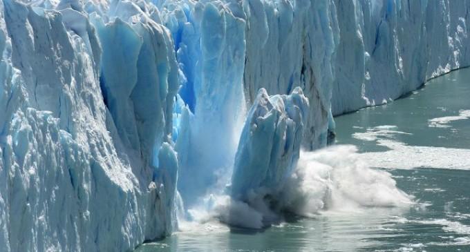 ghiacciaio e acqua